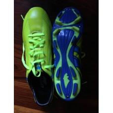 รองเท้าฟุตบอล Pan Fighter สีเขียวมะนาว